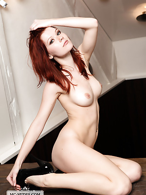 MC-Nudes  Lynette  Beautiful, Red Heads, Solo, Softcore, Babes, Erotic, Natural